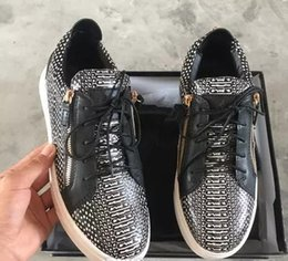 $enCountryForm.capitalKeyWord Australia - luxury men casual shoes mens trainers brand new women sneakers with Metal decoration rivet Patent leather Double zipper high top