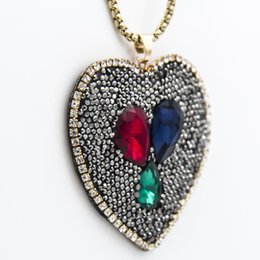 $enCountryForm.capitalKeyWord NZ - Black Rhinestone Colorful Crystal Clay Heart Pendant Chain Necklace Designer New Fashion Couture Jewelry Valentine Gifts for Women Wholesale