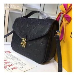 07bdf03314e8 LOUIS VUITTON SUPREME POCHETTE METIS messenger package MICHAEL 6 KOR  shoulder bag clutch handbag top quality crossbody package AAA leather totes  wallet LV ...
