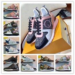 2019 Designer de Luxo Homens calçados casuais Melhores Cheap Top Quality Mens partido Sneakers da forma das mulheres sapatos de veludo Sports Sneakers tênis MF05 venda por atacado