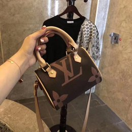 Wholesale 2019 Brand Designer Mini Womens Handbags Shoulder Bags Top Quality Classic Print Leather Totes Pillow bags Lady Crossbody Messenger bags