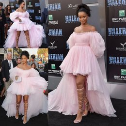 puffy prom dresses sleeves Australia - Rihanna Pink High Low Prom Celebrity Red Carpet Dresses with Puffy Sleeve 2020 Off Shoulder Fairy Tiered Skirt Evening Wear Dress