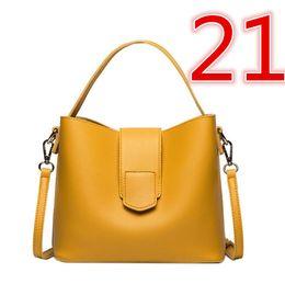China 2019 hot sell Ruil Women Color splicing Little bee Bags Fashion Zipper Designer Handbag Casual Shoulder Messenger Bag 00002251021 suppliers