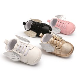 Wholesale 4 Colors kids sneakers kids shoes Girls Angel wings PU soft sole first walkers Infant Footwear Prewalker Moccasins walking Sportwear