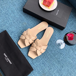 Crystal Heads Australia - Quality Best slippers rivet crystal sandals brand version of the slide square head beach shoes luxury 2019 new slippers wome