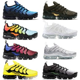Wholesale tn plus yellow running shoes mens trainers women cushion sneakers new black white red cool grey blue pink light shoes with box