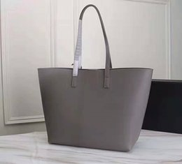 $enCountryForm.capitalKeyWord Australia - Hot sale Womens ys fashion Genuine Leather Shoulder bag Womens famous totes High-quality shoulder bag for girls Two piece suit