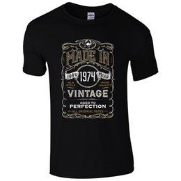 Made In 1974 T Shirt Born 44th Year Birthday Age Present Vintage Funny Mens Gift Cool Casual Pride Tshirt Men Unisex New Fashion