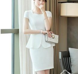 9c7ffb16376 Esteticistas uniformes online-2019 summerSolid White falda de manga corta  se adapta a dos piezas