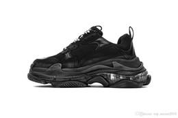 $enCountryForm.capitalKeyWord UK - quality TOP Men Women run Shoes Fashion Luxury Designer Sneakers Paris 17FW Triple-S Dad Shoe Embroidered Schuhe Thick Platform 8 Layer Sole
