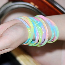 $enCountryForm.capitalKeyWord Australia - Wholesale 100pcs Silicone Bracelets Luminous Shine Glow In The Dark Fashion Women's Female Party Wristband Bangle Lots Bulk J190721