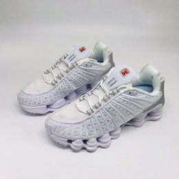 $enCountryForm.capitalKeyWord Australia - shox TL NZ R4 White Metallic Silver-Max Orange Men Women Basketball Shoes Avenue Deliver Current high quality Mens Designer Trainer