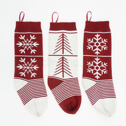 Wholesale sock wool resale online - Knitted Christmas Hanging Bag Kids red wool Knitted Christmas Gift Bags Wool Xmas Tree Socks Decor Jacquard Candy Gift Socks FFA2938