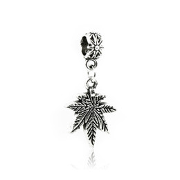 $enCountryForm.capitalKeyWord UK - Antique Silver Pendants Loose Beads Maple Leaves Engraved Metal Charms DIY Fit Pandora Bracelets Necklace Jewelry Accessories Findings DZ44