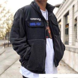 $enCountryForm.capitalKeyWord Australia - 18FW Box Logo Expedition Fleece Jacket Color Matching Splice Jacket Winter Men Women Coats Fashion Street Outerwear High Quality HFYMJK195