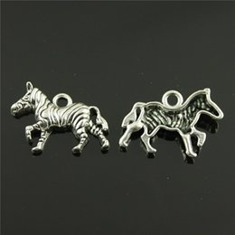 $enCountryForm.capitalKeyWord Australia - 100pcs Horse Charms Jewelry Finding Horse Pendant Horse Charm For Jewelry Making 2 Colors Plated DIY Jewelry Accessories 30x20mm