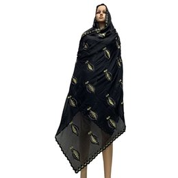 Chinese  African Women Scarfs Muslim Women Embroidery Cotton Big Size Scarf Hijab Scarfs for shalws Pashmina BM797 manufacturers