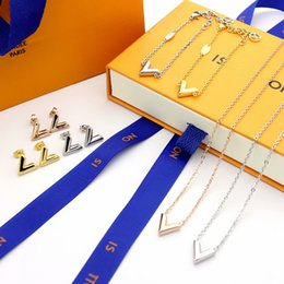 $enCountryForm.capitalKeyWord Australia - Fashion Simple Style Jewelry Sets Lady Titanium steel V Letter 18K Plated Gold Necklaces Bracelets Earrings 3 Color