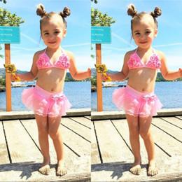 Kinder-Sommer-Blumenbadebekleidung für Kinder Bikini-Sätze Netten Halter Tops und Netz Blumen-Rock-Kinder zum Schwimmen Zu im Angebot