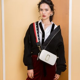 $enCountryForm.capitalKeyWord NZ - New Lady's bag with contrasting colors slanting across small square bag with cowhide wide shoulder strap clip camera bag