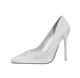 China Fashionable and lovely elegant fine heel high heel shallow show thin pointed color diamond party shoes suppliers