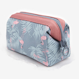Makeup Free Shiping Australia - New Fashion Women's Cosmetic Bags Storage 4 Style Makeup Bags for Ladies Small Mini Bag 18*13*9 Hot Sale Free Shiping