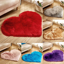 heart blanket UK - Love Heart Polypropylene Heat-set Fabric Carpets Plush Fabric Blanket Sofa Cushion Parlor Living Room Decoration MMA2993