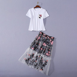 embroidered short white dress UK - European and American women's wear 2020 summer new style Short sleeve ironing drill T-shirt Rose print embroidered skirt suit