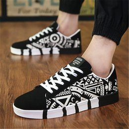 running man korean shoes UK - Xshfbcl NEW Men's shoes spring new men's casual shoes canvas sports Korean students printed running shoes skate sneaker