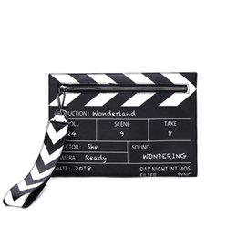 $enCountryForm.capitalKeyWord NZ - Black White Fashion Movie Prop Design Crossbody Messener Bag Women Pu Leather Casual Clutch Purse Envelope Bag Shoulder Bags New