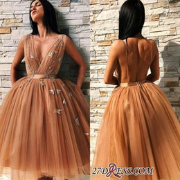 Black pearl dress v Back online shopping - 2019 Newest A Line Champagne Gold Tulle Short Homecoming Dresses A Line V Neck Ruffles Short Prom Gowns Sexy Open Back BC0691