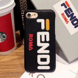 9dd9801e95bc Caso del telefono del progettista del ricamo di logo di marca di lusso di  alta qualità per il iphone X XS XR Xs Max 6 6plus 7 7plus 8 Custodia rigida  di ...