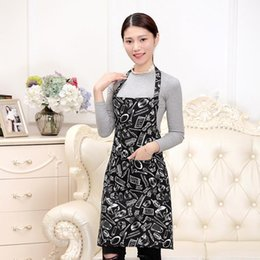 household waterproof apron UK - Waterproof Sleeveless Aprons Household Wear Resistant Anti Fouling Cooking Apron Soft With Pocket Design Kitchen Accessories 5 5yn BB