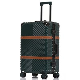 Wholesale USB Vintage Leather Travel Trolley Luggage Suitcase PC Aluminum Frame With TSA Lock Hardside Rolling Luggage With Wheels