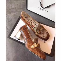 66b60c02 Nueva marca italiana del verano de las mujeres zapatos de vestir de cuero  boca baja para mujer zapatos casuales envío gratis 35-40 tamaño de tacones  altos ...