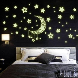 $enCountryForm.capitalKeyWord NZ - DIY Sky Moon Star Saturn Stickers Luminous Wall Decal Night Light Pattern Wallpaper For Kids Bedroom Home Decor
