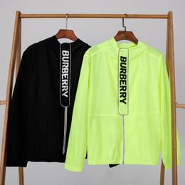 $enCountryForm.capitalKeyWord NZ - New mens designer jackets thin coat hooded windbreaker jacket Windbreak Sunscreen Reflective light Bar Coat Classic full-body box logo
