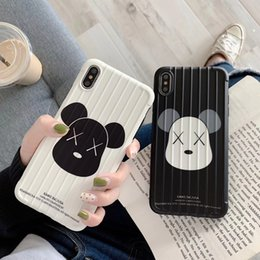 Wholesale KAWS Toys Curved surface Trend brand cartoon bear Fashion soft Mobile Phone Case for iphone s plus X XR XS MAX cover