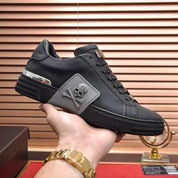 Großhandel Qualität Men Casual Fitness-Schuh-Leder Mens Fashion Designer schwarz Farbabmusterungssysteme Leder bequeme Schuhe Flache Freizeitschuhe Tägliche Jogg