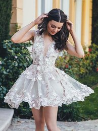 $enCountryForm.capitalKeyWord Australia - Chic Deep V-Neck A-line Homecoming Dress Short Mini Prom Drsess Juniors Homecoming Dresses Lace Flowers Attached Special Occasion Dresses