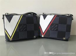 Luxury designer briefcase online shopping - 2019 Designer Luxury fashion Shoulder Bags man Genuine Leather briefcases men handbag bolsas messenger bag men wedding dress crossbody bag