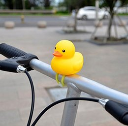 $enCountryForm.capitalKeyWord Australia - Kids Bike Horn Cute Bicycle Lights Bell Squeeze Horns for Toddler Children Adults Cycling Light Rubber Duck Toys