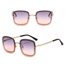 $enCountryForm.capitalKeyWord Australia - Wholesale-Luxury Designer Sunglasses For Women And Men Square Fashion Women Metal Chain Buckle 7 Colors