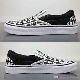 $enCountryForm.capitalKeyWord Australia - 2019 Classic Slip-on Black White Checkered Trainers Mens Women Skate Shoes Sports Canvas Skateboarding Casual Sneakers Size 36-45