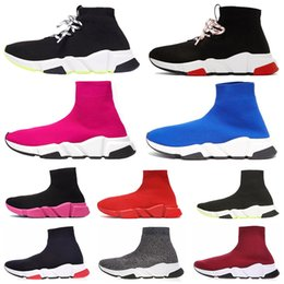 Women glitter shoe boots online shopping - 2020 Designer Shoes Speed Trainer Casual Sock Shoe Triple Black White Pink Glitter Green Flat Fashion mens women Runner Socks Sneakers
