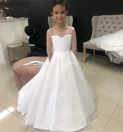 Red long dResses foR gRaduation online shopping - 2020 Cute Flower Girl Dresses For Weddings Ball Gown Long Sleeves Tulle Appliques Lace Long First Communion Dresses