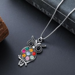 Antique crystAl owl online shopping - Colorful Crystal Owl Pendant Necklaces inches Necklace Hot sell Antique Silver Fashion Jewelry N1598 Necklaces Pendants
