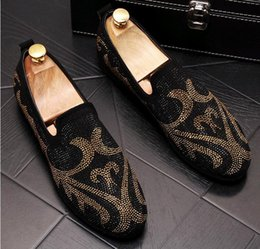 Shine dreSS Shoe online shopping - British Men s Trendsetter Shining rhinestone punk Rock Trendy Casual Shoes loafers Male walking Dress shoes moccasins zapatos hombre LF