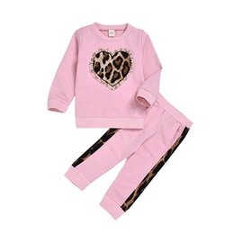 Wholesale love pink tops resale online – Girls Chothing Set Baby Pink Long Sleeve Leopard Love Heart Sweatshirt Top Leopard Pants set Outfits Kids Boutique Clothes M985