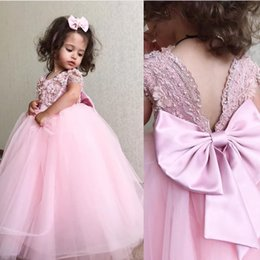 Royal balls online shopping - Lace Beaded Pink Flower Girl Dresses Backless Ball Gown Little Girl Wedding Dresses Vintage Communion Pageant Dresses Gowns F156